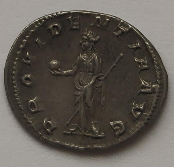 Antoniniano de Gordiano III. PROVIDENTIA AVG. Roma Img_2010