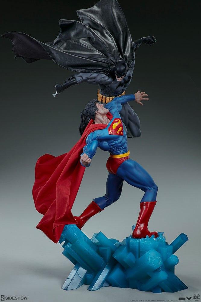 [Sideshow] Batman vs Superman Diorama 20053918