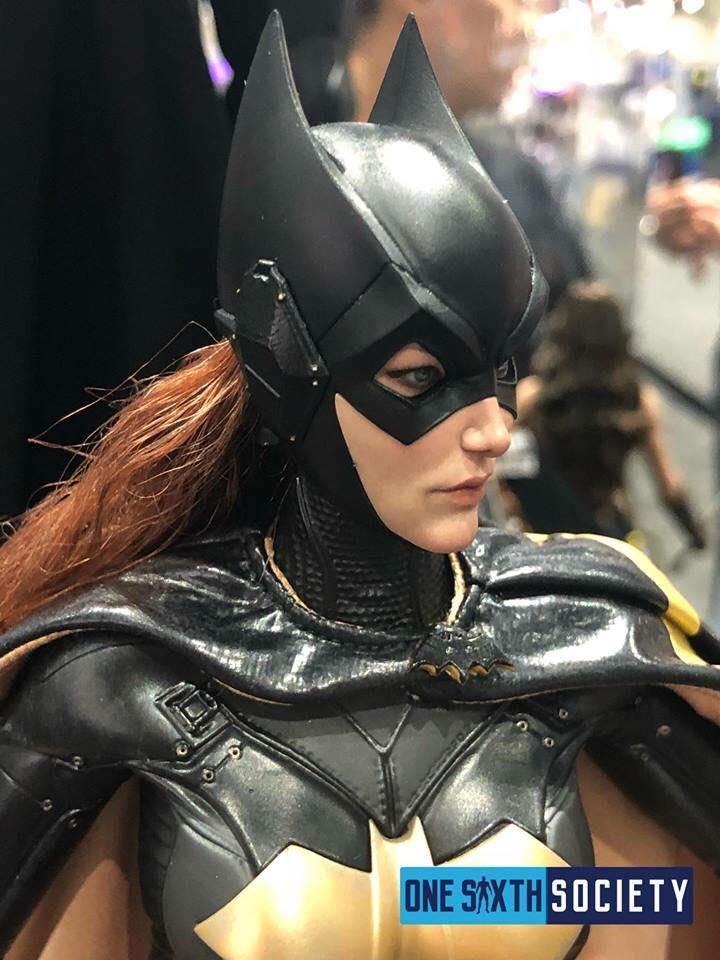 [Hot Toys]- Batman: Arkham Knight- Batgirl 1/6 37323910