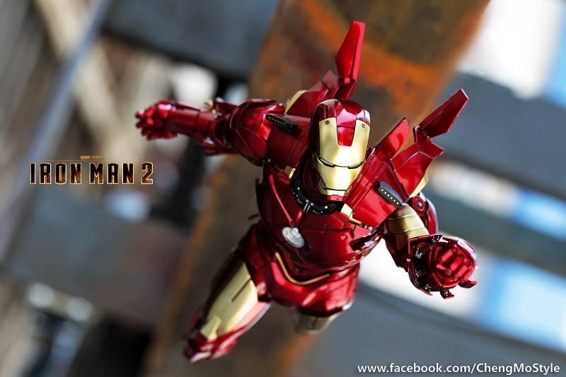 [Hot Toys] -Iron Man 2-Mark IV with Suit-Up Gantry 1/6 40895910