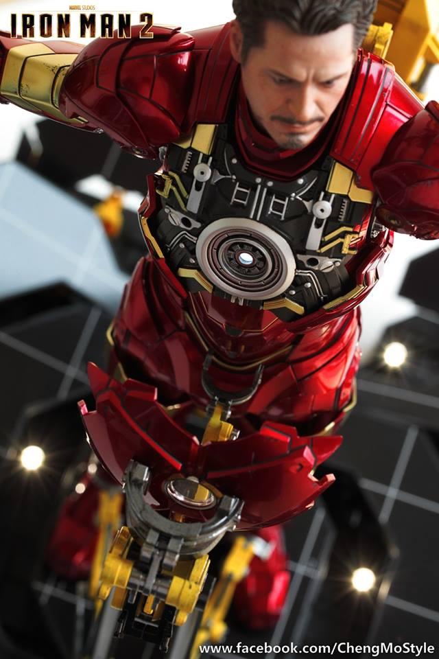[Hot Toys] -Iron Man 2-Mark IV with Suit-Up Gantry 1/6 41176010