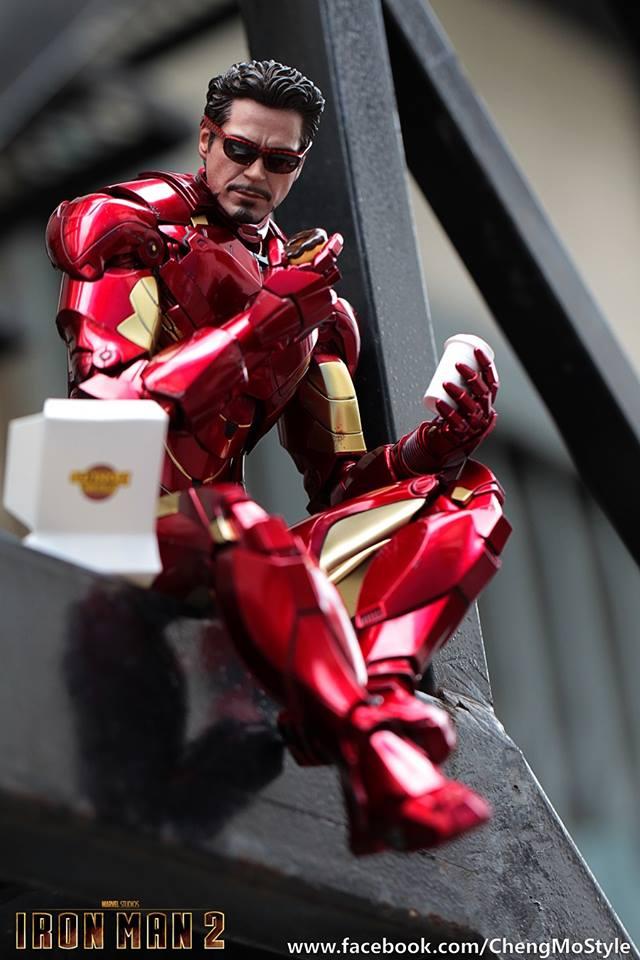 [Hot Toys] -Iron Man 2-Mark IV with Suit-Up Gantry 1/6 41222110