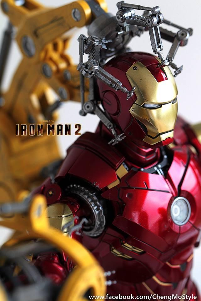 [Hot Toys] -Iron Man 2-Mark IV with Suit-Up Gantry 1/6 41310410