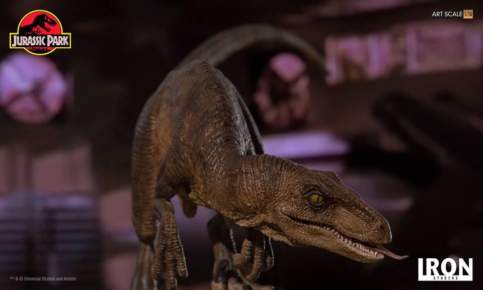 [Iron Studios] - Jurassic Park- Crouching Velociraptor  1/10 42713210