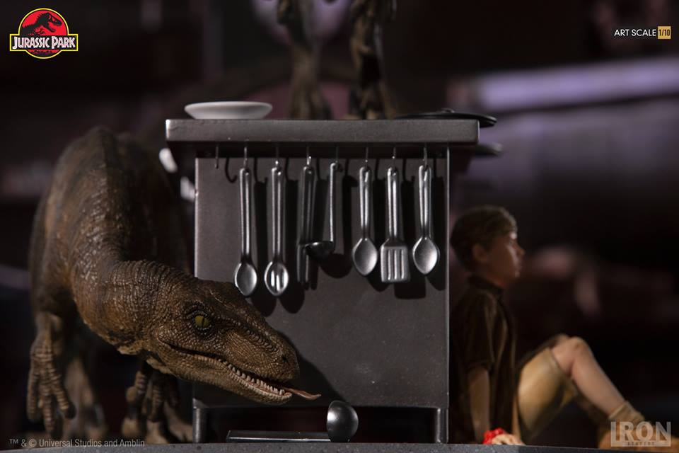 [Iron Studios] Jurassic Park- Velociraptors in the Kitchen Diorama Art Scale 1/10  42730710