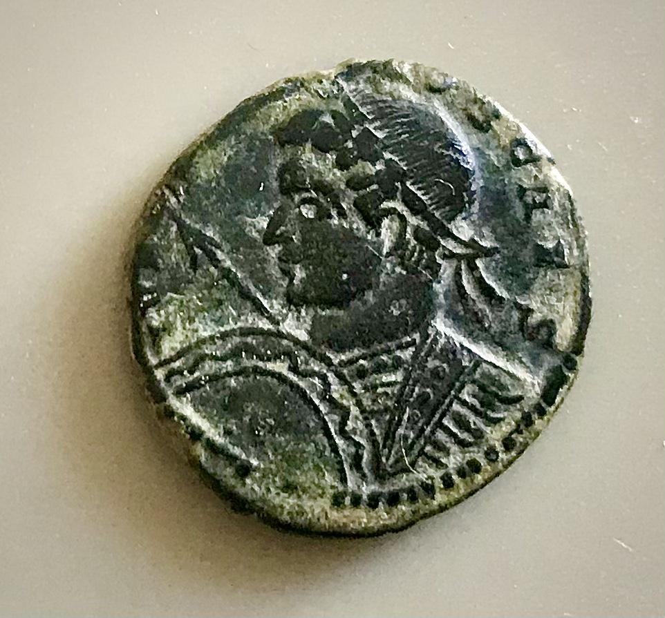 AE3 de Crispo. BEATA TRANQUILLITAS.(Rev/leyendas invertidas). Trier 9f198e10