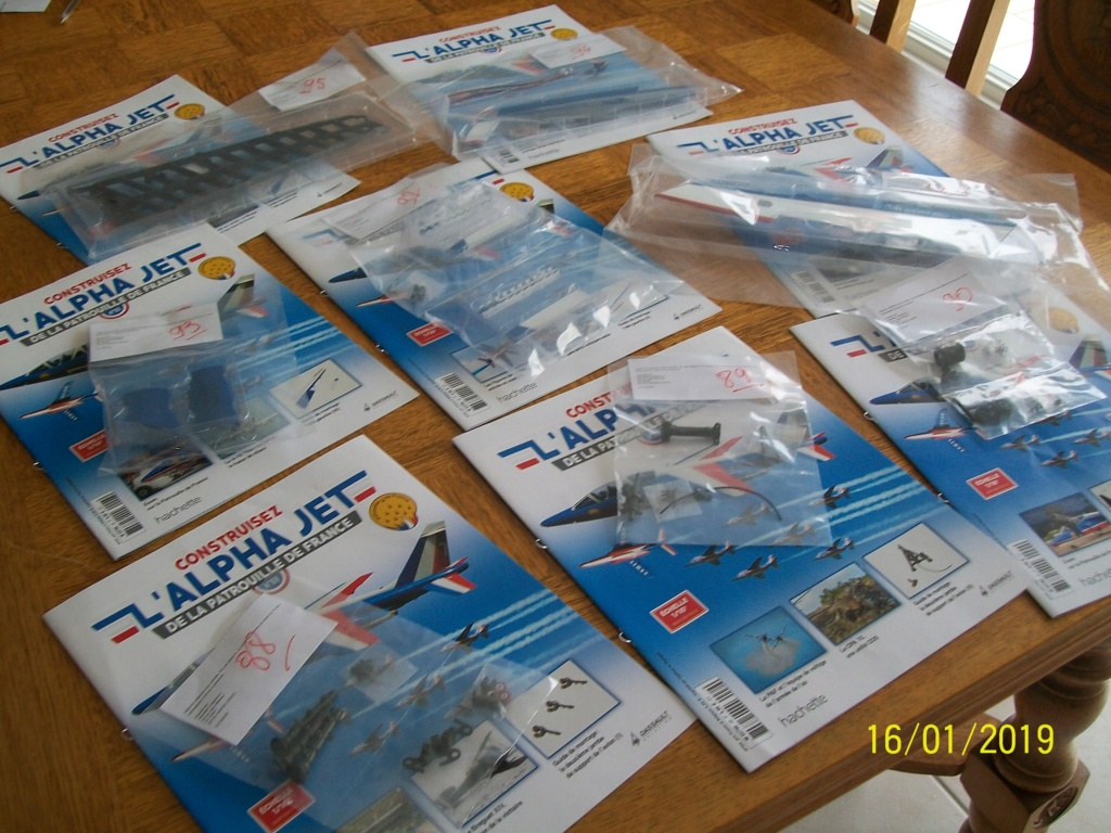 ALPHA JET(patrouille de France) echelle1/16 hachette collection. - Page 3 100_6323