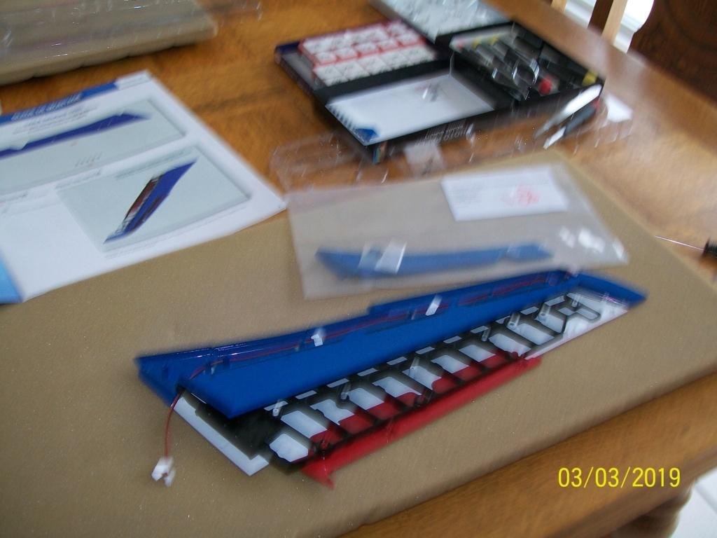 ALPHA JET(patrouille de France) echelle1/16 hachette collection. - Page 3 100_6410