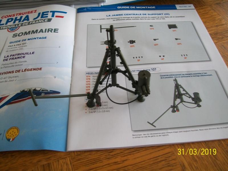 ALPHA JET(patrouille de France) echelle1/16 hachette collection. - Page 3 100_6417