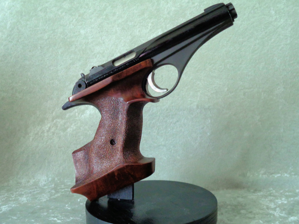 Target Grips on a Whitney Wolverine Rh_8x111