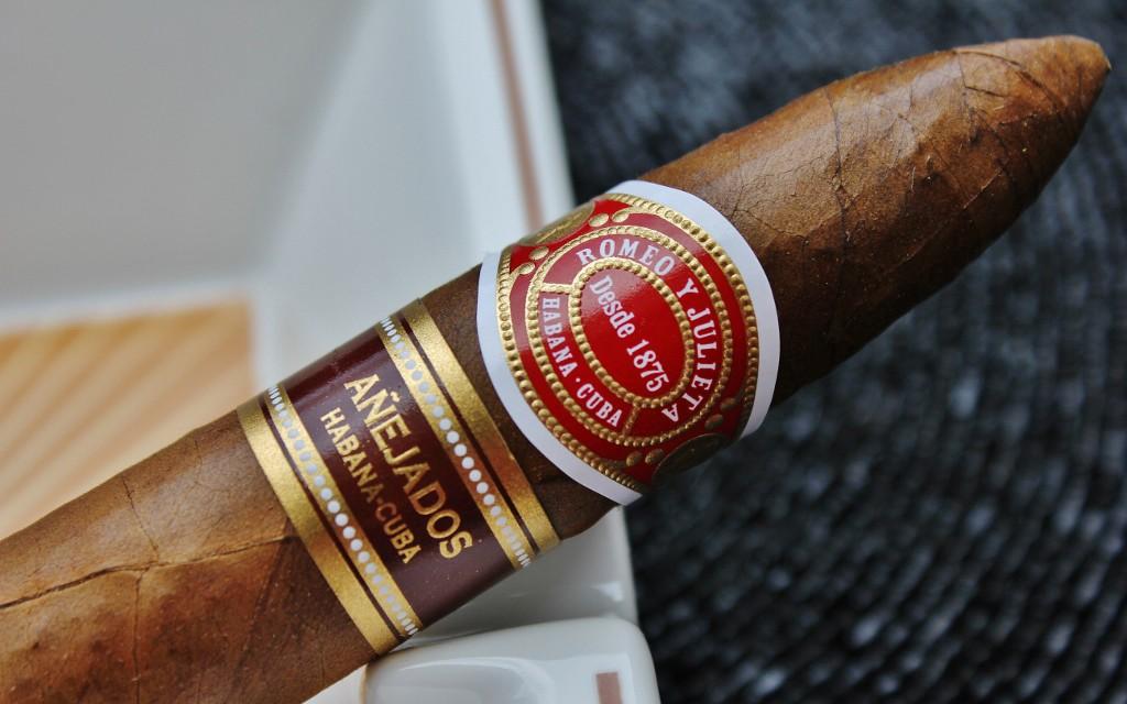 Le 20 juin – A la Saint Silvère,  que vos tabacs soient bénis dans les froids enfers ! Anejad10