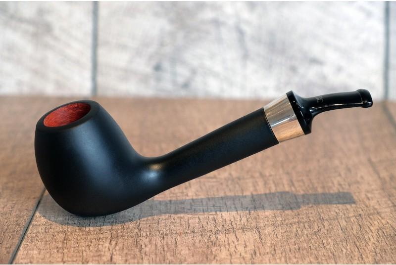 Des tabacs aux arômes légers le 2 octobre ? Pipe_b11