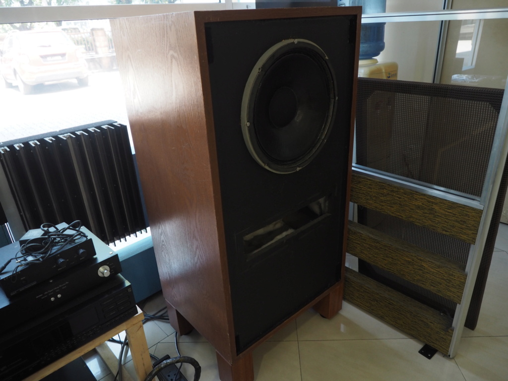 Tannoy Monitor Gold loudspeakers (used) P1010211