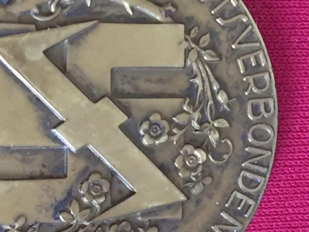 4 DECOS ALLEMANDE WW2  Img_2722