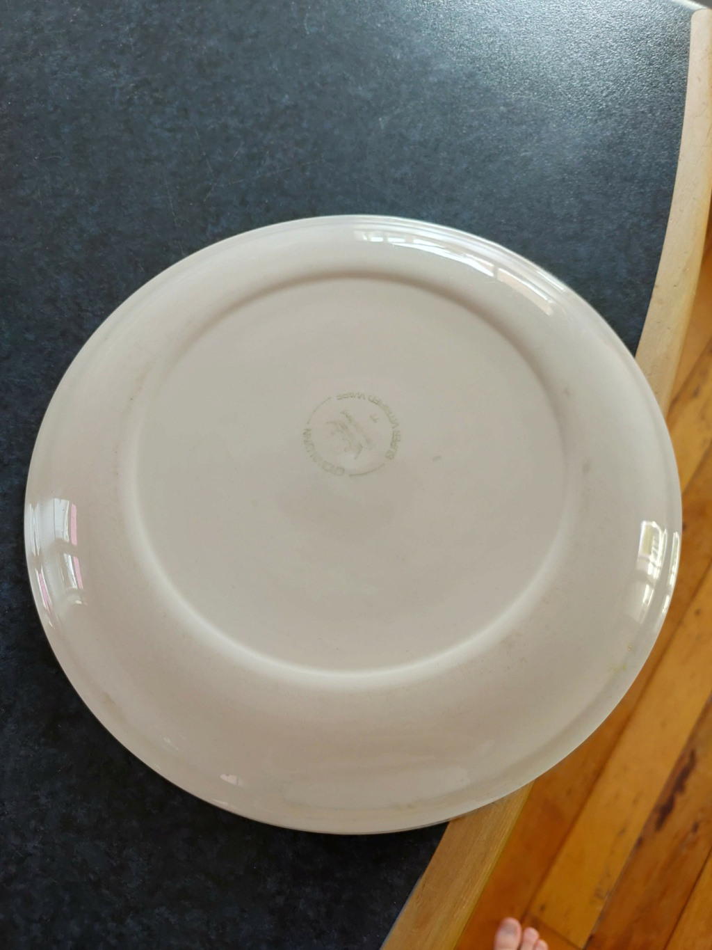Seemingly an Air NZ plate - Unable to find any details about it. Img20212