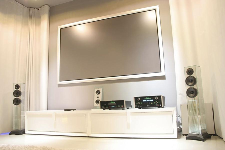 Consiglio per nuovi diffusori per Rotel A12 Victor10