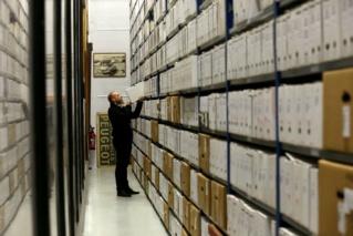 Centre d'archives Peugeot pour obtenir le certificat de naissance de votre Véhicule Archiv10