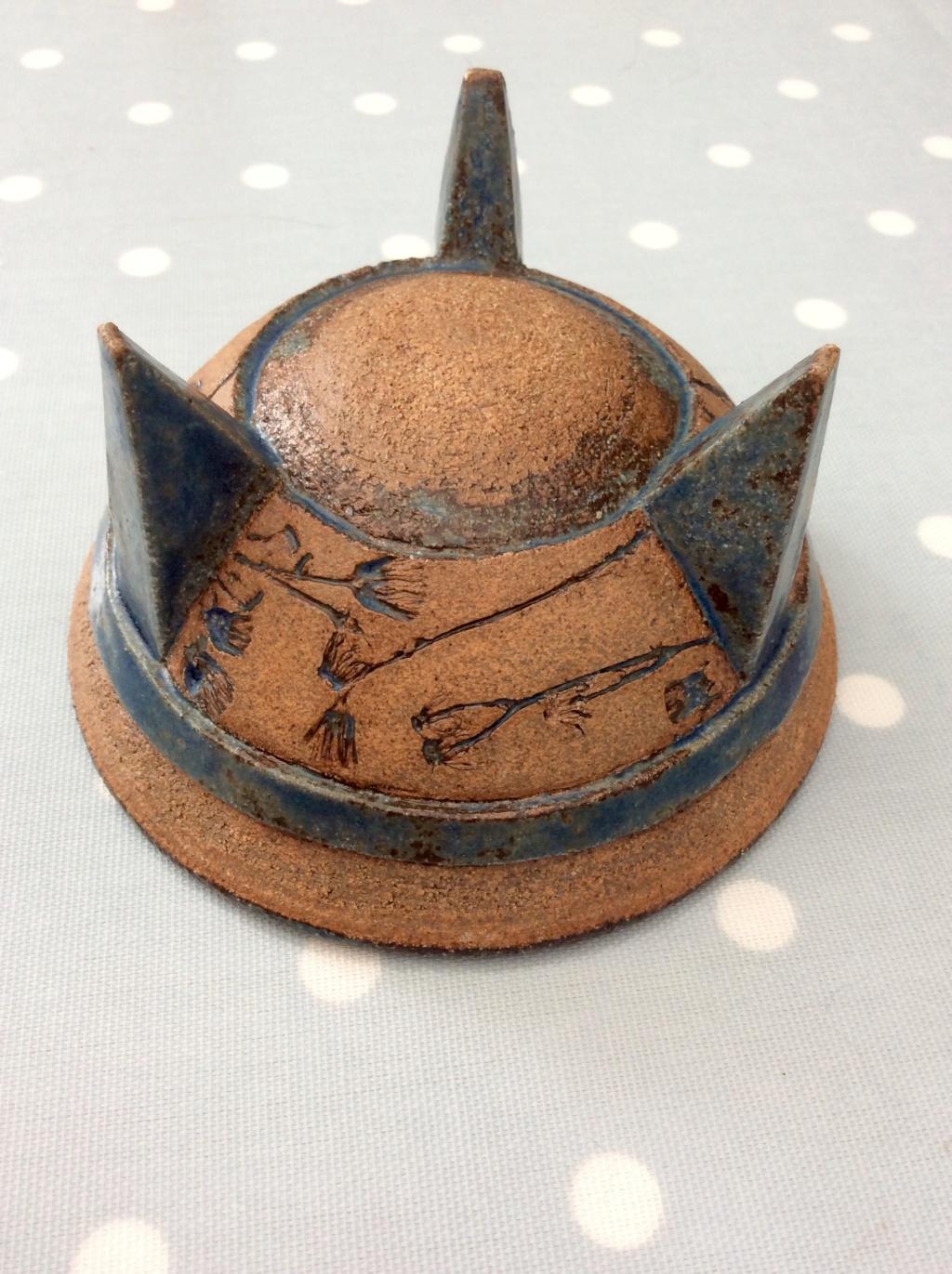 British Pottery Three-Legged Bowl - Mark similar to Hans Coper 17f21610