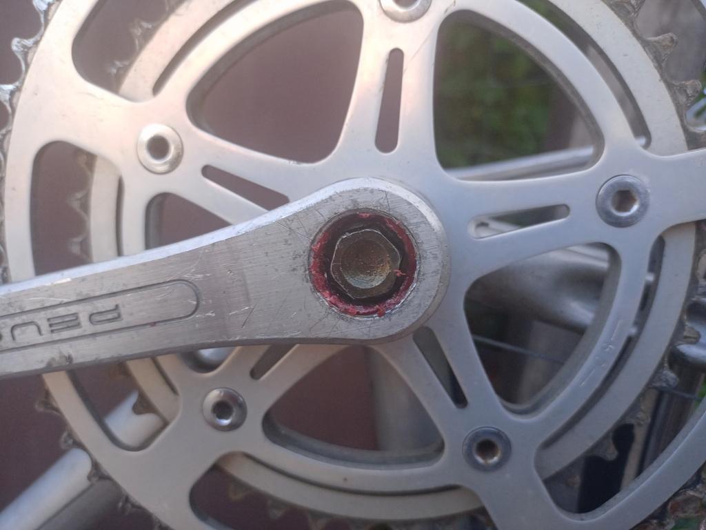 restauration d'un vélo peugeot à partir de deux vélos peugeot incomplets Pzodal11