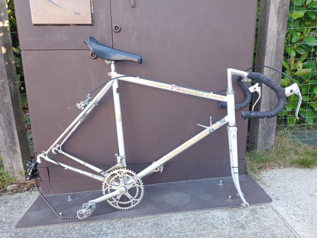 restauration d'un vélo peugeot à partir de deux vélos peugeot incomplets Velo_110