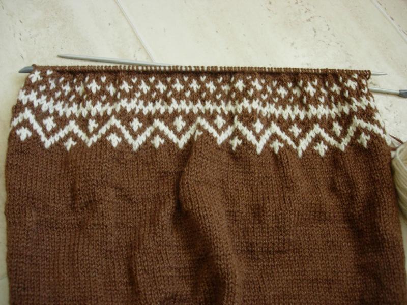 un pull norvégien pour mon mari, début le 27/07/2011 Dscn2415
