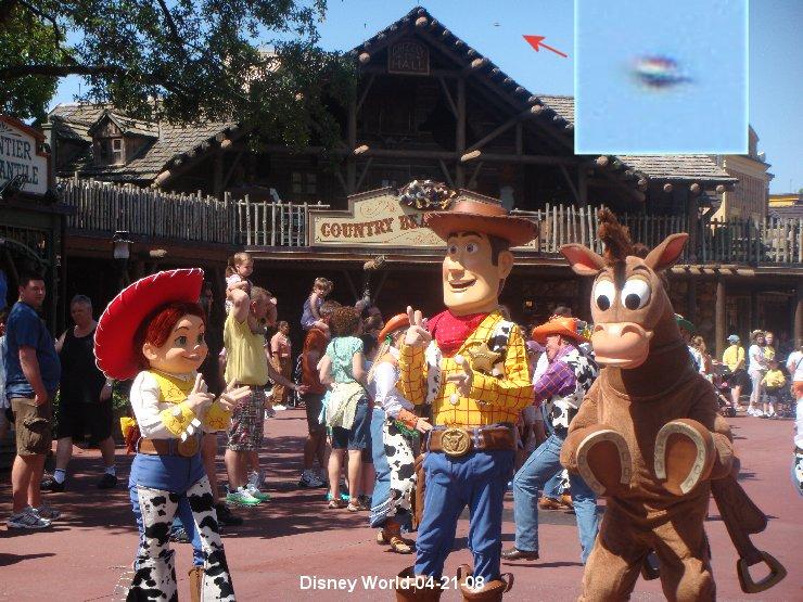 USA Ovni à Disney World Disney10