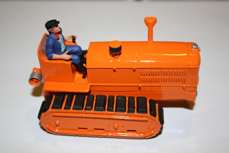 le tracteur LICORNE réalisé au 1/32ème par Gabriel - Page 3 1212