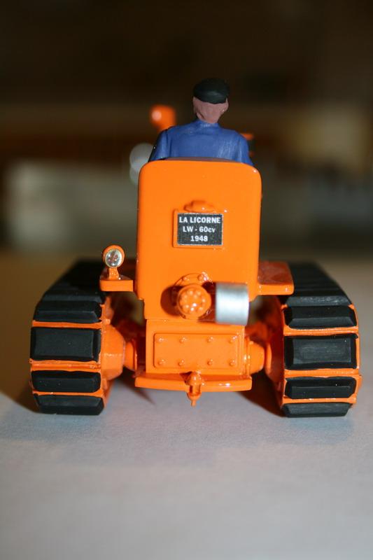 le tracteur LICORNE réalisé au 1/32ème par Gabriel - Page 3 1312