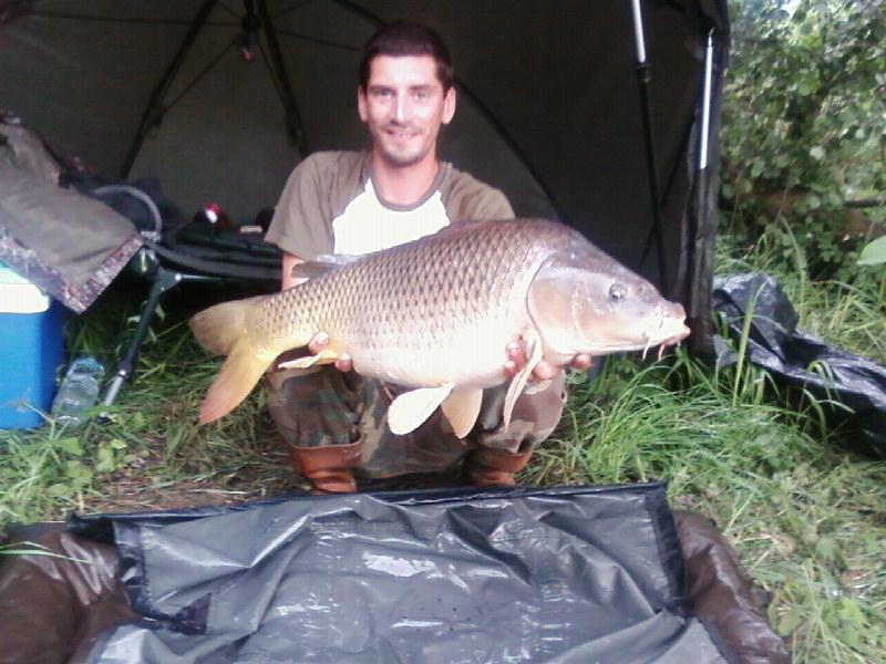 pêche a la carpe au chenevis.... Sp_a0013