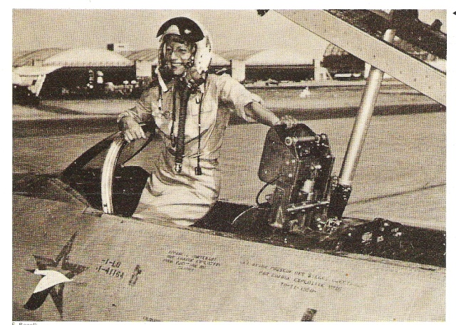 Qui est cette aviatrice Aviatr10