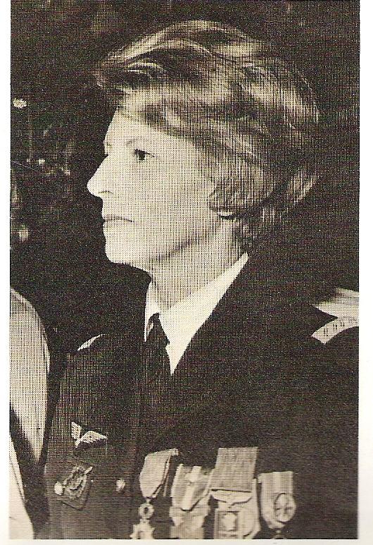 Qui est cette aviatrice Aviatr11