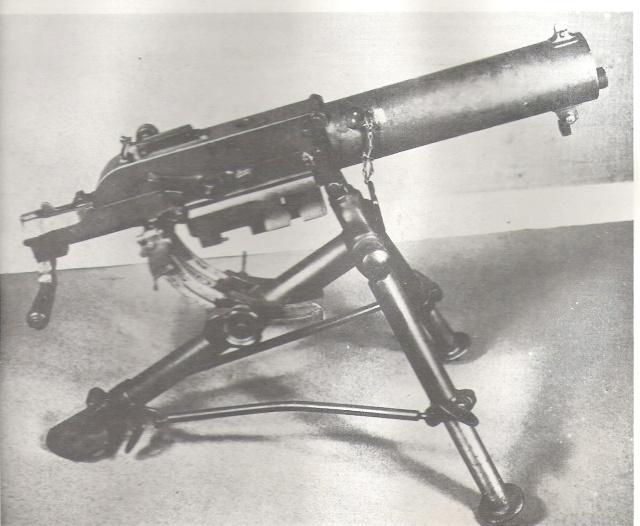 Une mitraillese Mitrai11