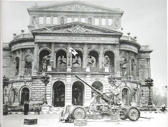 Le nom de L'edifice Opera11