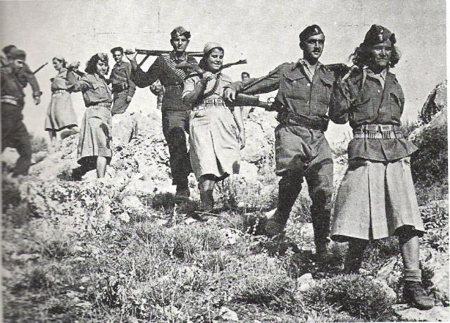 Un groupe de Partisans(Facile Partis10