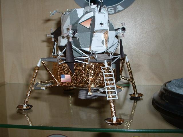 Maquette en papier : LUT & Saturn V - Page 4 Dscf0017