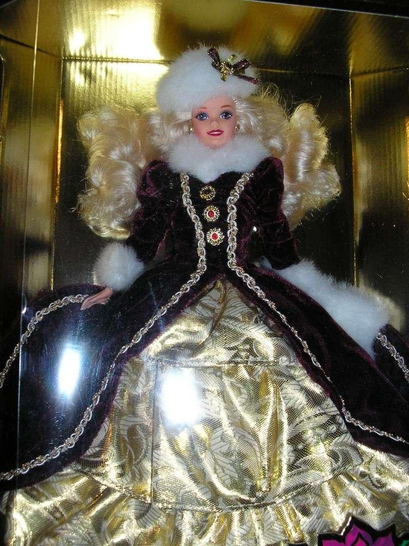 Barbies Happy Holidays - Page 2 Pb220010