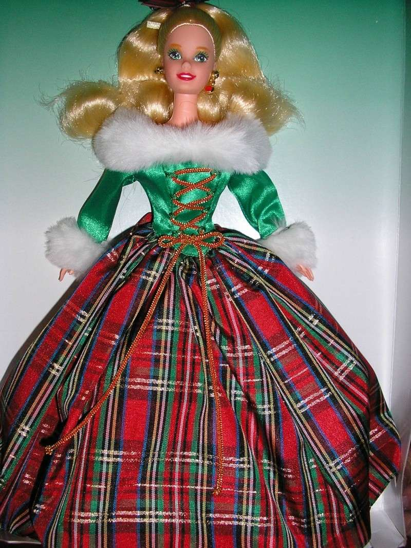 Barbies Happy Holidays Pc190010