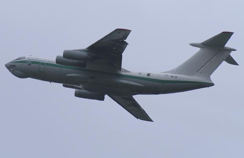 طائرة النقل والتزود بالوقود Il76/78 - صفحة 2 12945610
