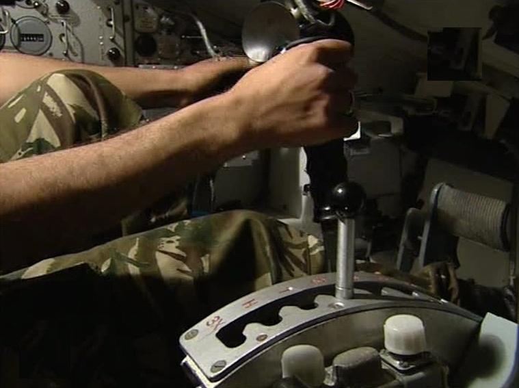 الجزائر ........ صفقة جديدة لشراء 120 دبابة T-90S - صفحة 4 347