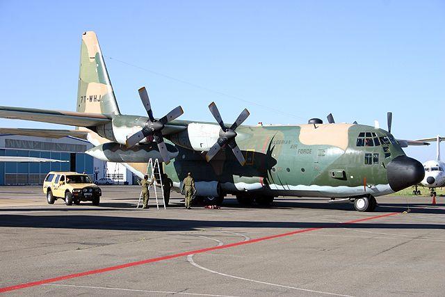 طائرة النقل سى-130 هرقل  CC-130 Hercules 7t-whj10