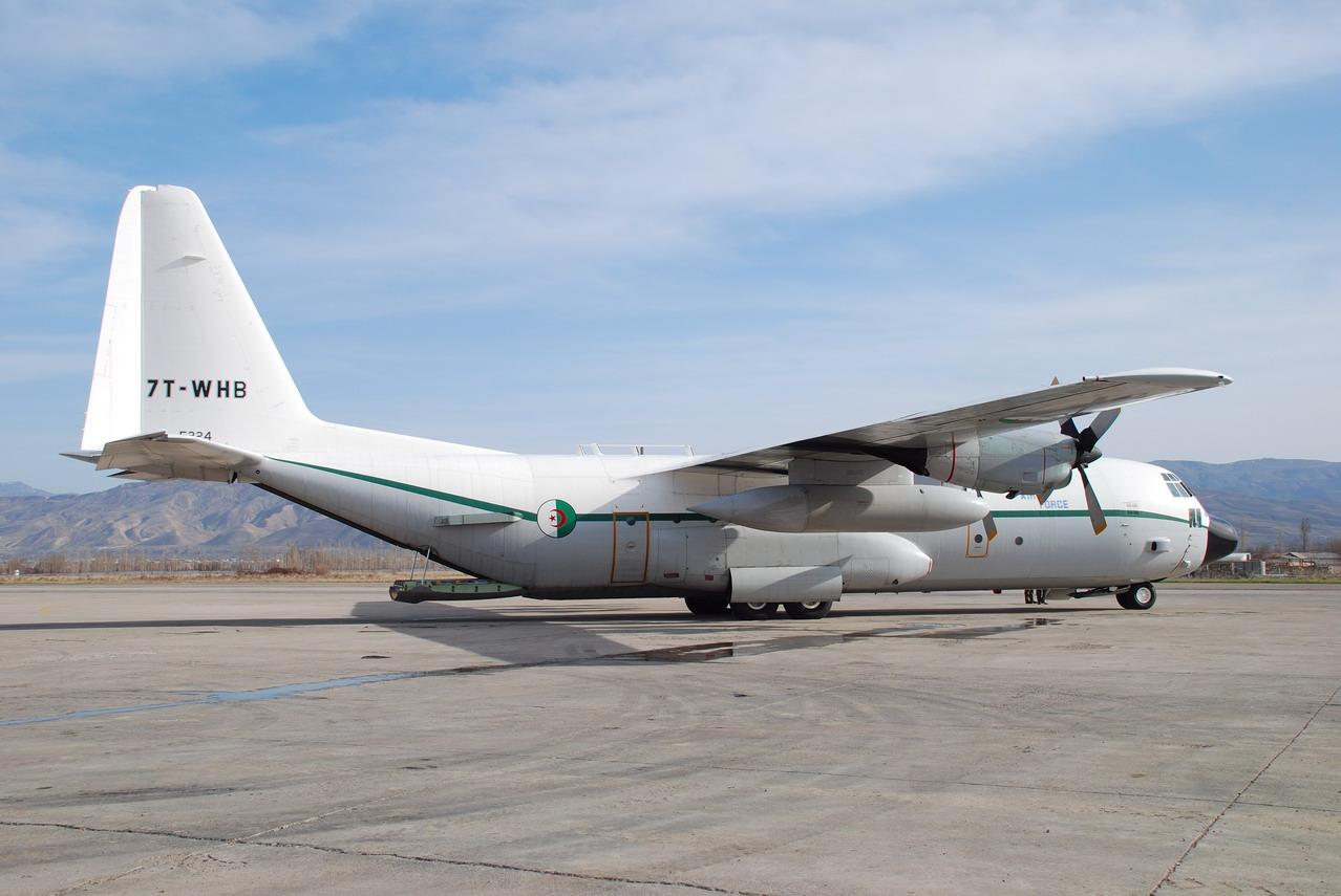 طائرة النقل سى-130 هرقل  CC-130 Hercules Hercul12