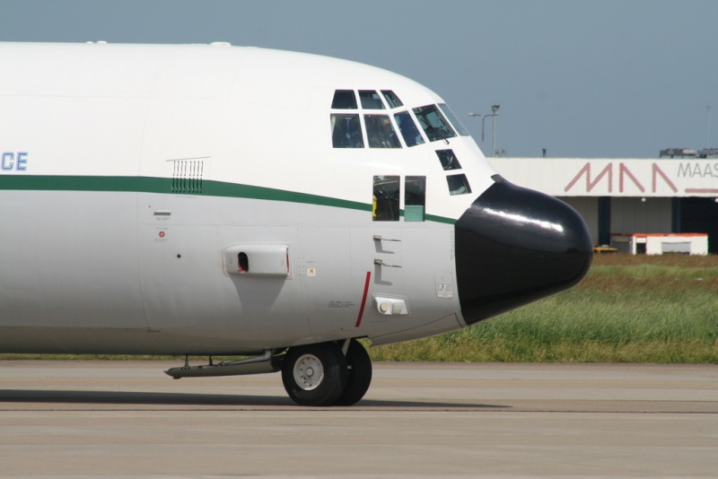 طائرة النقل سى-130 هرقل  CC-130 Hercules Img_1310