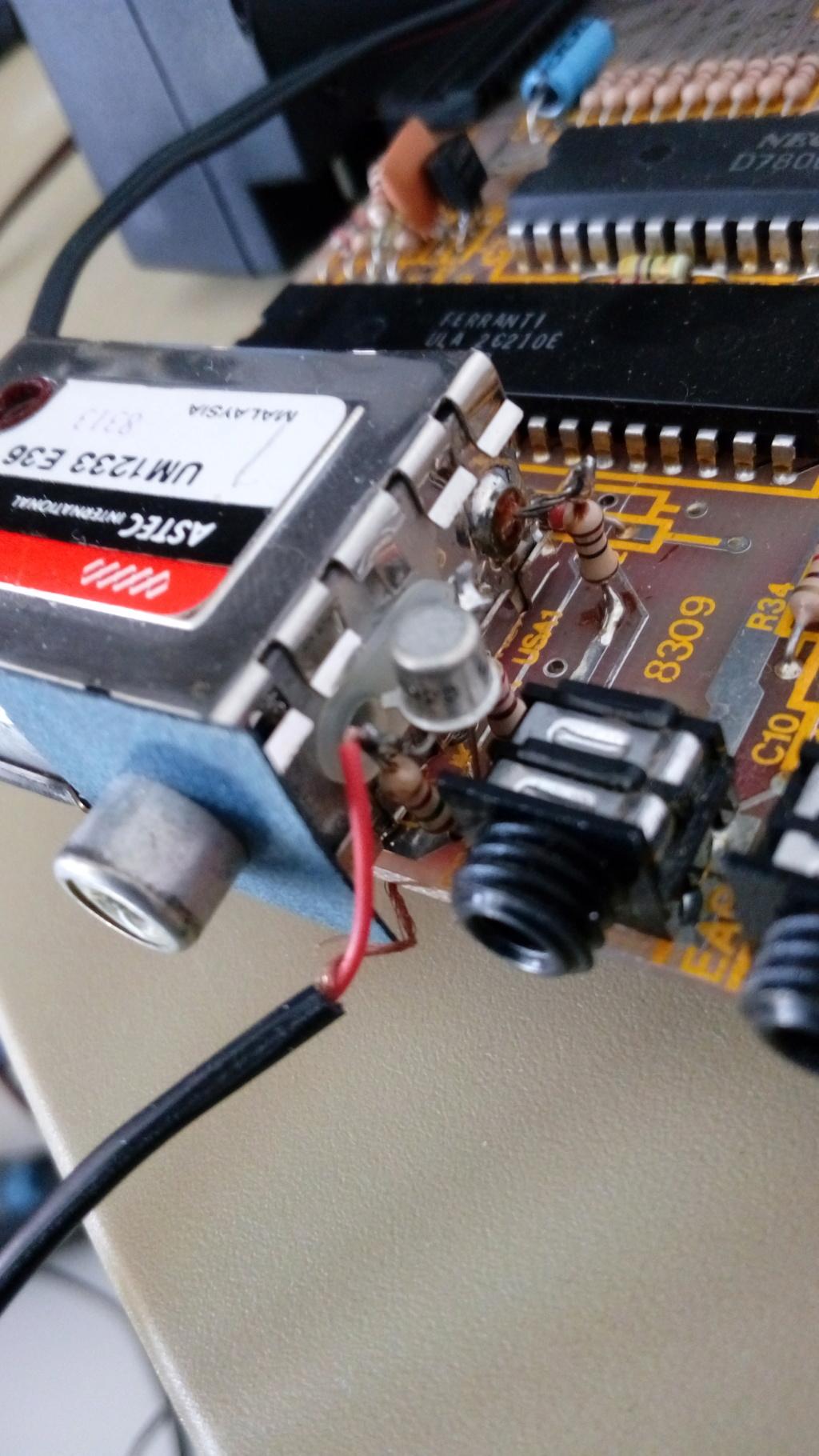 Transformer l UHF en Composite !!! Img_2053