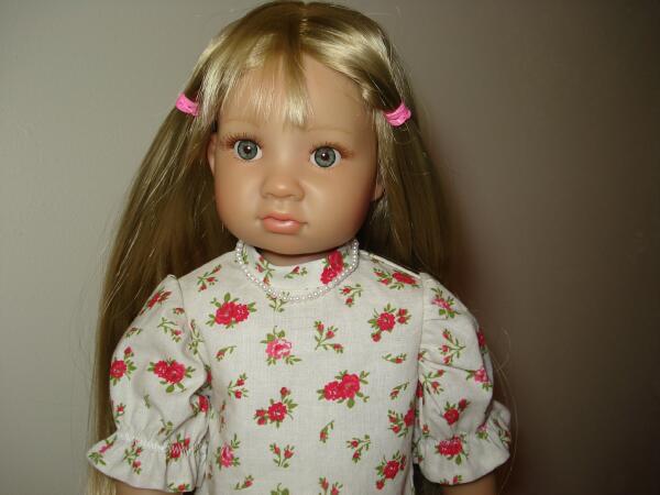 Petite robe à volants pour ma Heïdi Dsc07517