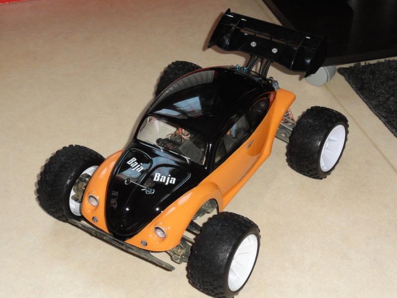 pas un short course, mais le chassis est le même que l'un d'eux... - Page 2 Dsc00753