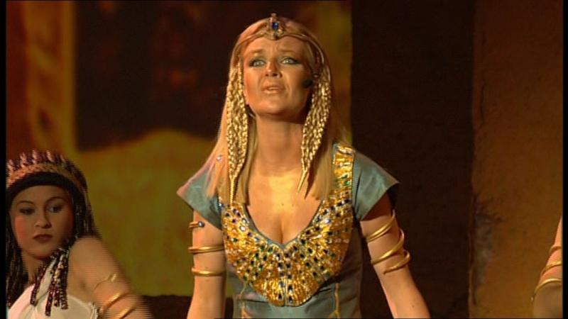 Captures du DVD - Céline en suivante de Bithia Vlcsna10