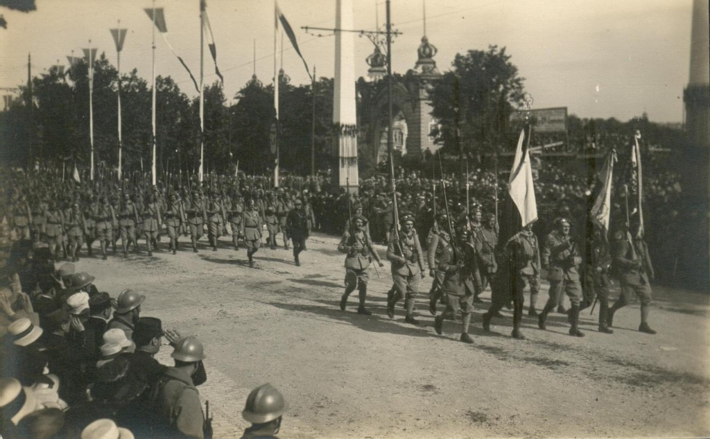 Lundi 14 juillet 1919 - Page 2 Marin362