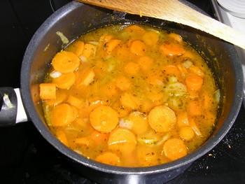 Crème de carottes au thym P7280012