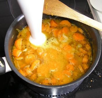 Crème de carottes au thym P7280013