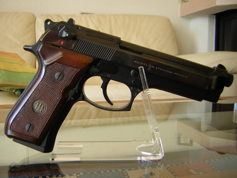 Glock 17 / Beretta 92 ? Berett10